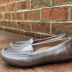 Vionic 6.5M Chill Debbie Silver Metallic Loafer